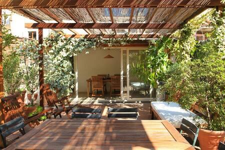 Studio with beawtifull terrace