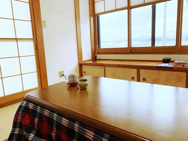 七宝焼作家が住む民泊工房 (七宝焼も体験できるよ。別途金額かかります)room2