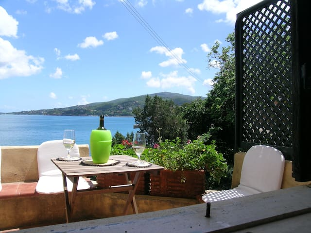 Lovely beach historic house, Villa Rosetta, apt 2 - Porto Santo Stefano - Apartamento