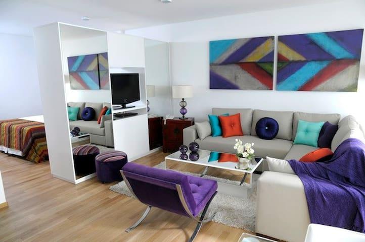 Studio en Juncal 831 5to piso