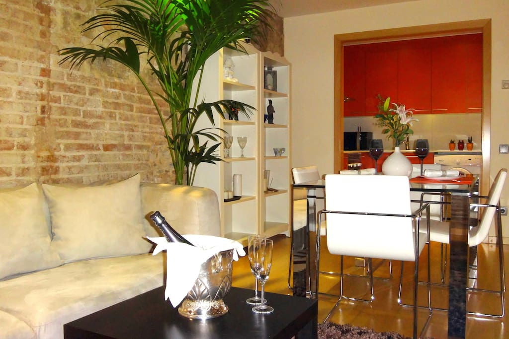 «CAESAR AUGUST»  Luxury Apartment (Heart Gotico)