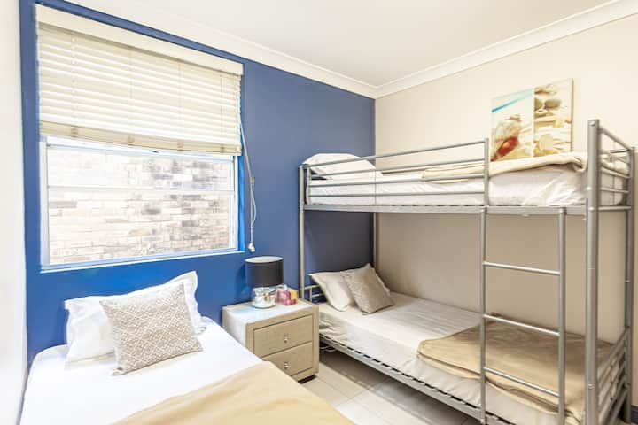 Triple Room with Ensuite 200M to ManlyBeach