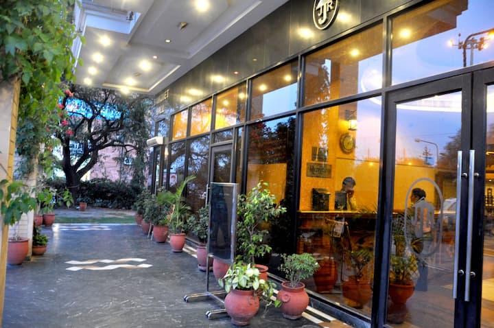 Luxurious Room At Panchkula