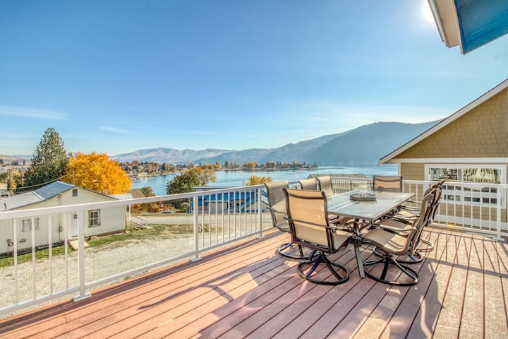 Dog-friendly, lake view home w/ a private pool, hot tub, & fun-filled game room