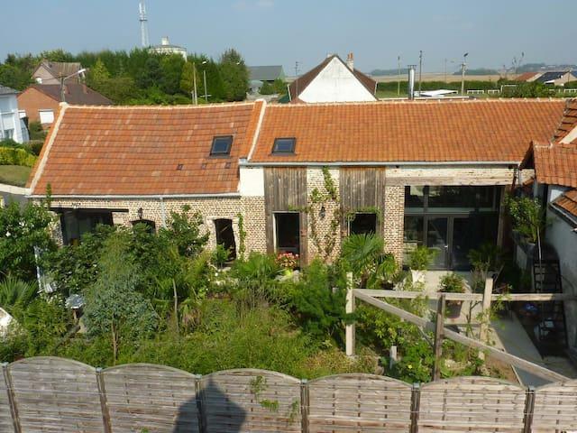 Le patio d'Eric - Aubigny-au-Bac - Rumah