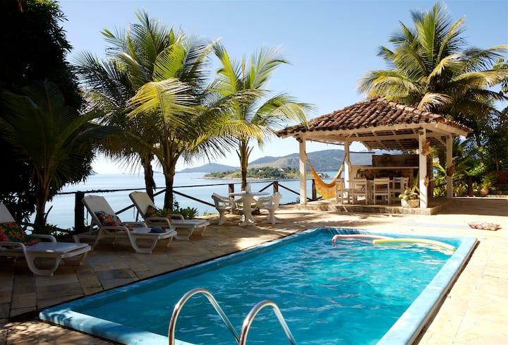 Casa em ilha paradisíaca com mordomia e barco Wifi