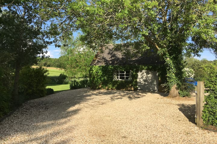 Secluded Cotswold Hideaway