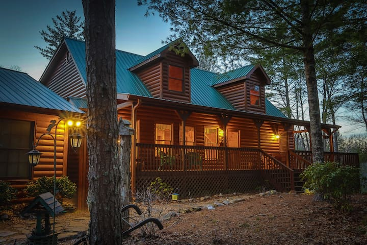 Very Private! Luxury 5Bed Lodge -Hot Tub, Fire Pit