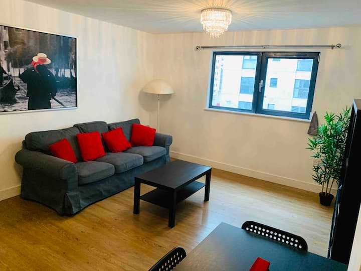 Lush City Centre Flat with FastWifi+SecureParking