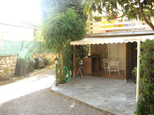 Bilocale immerso nel verde vicino al mare - Rosignano Solvay-Castiglioncello - Apartament
