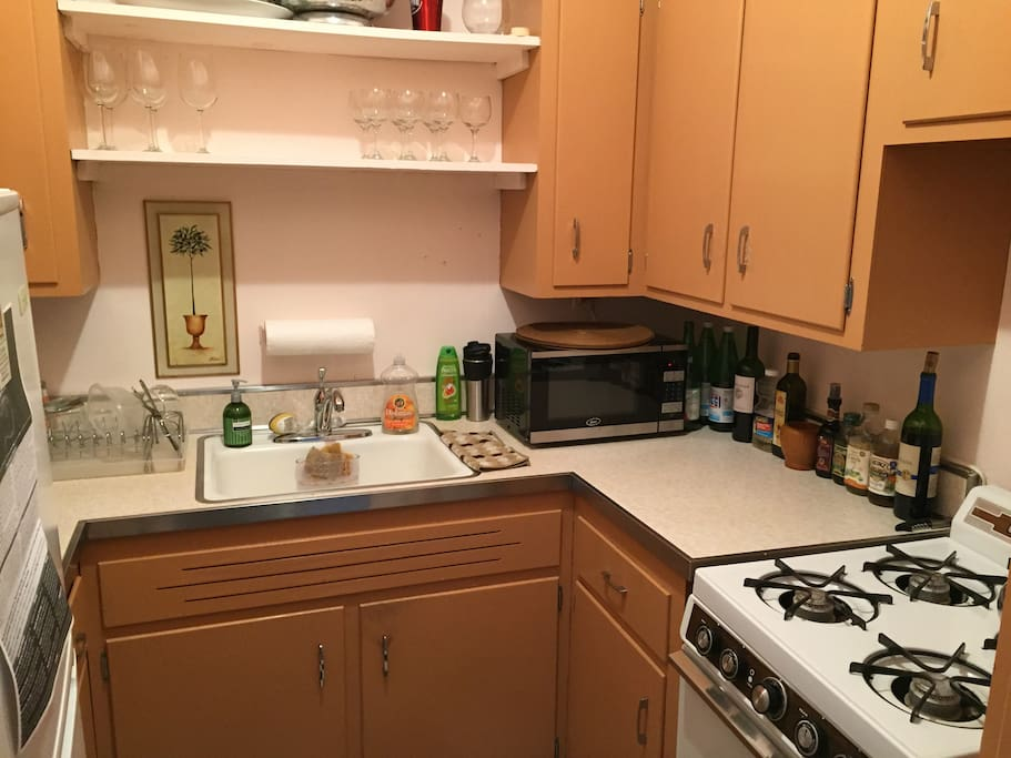 Cute kitchen for any cooking needs