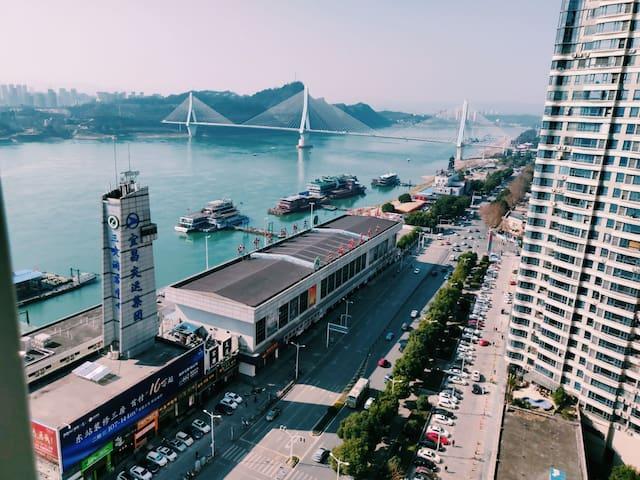 柒舍●江山/万达广场三峡游客中心、私人影院江景大床房
