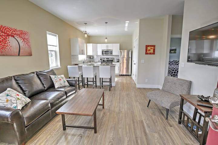 New Downtown Buena Vista Condo w/Patio & Mtn Views