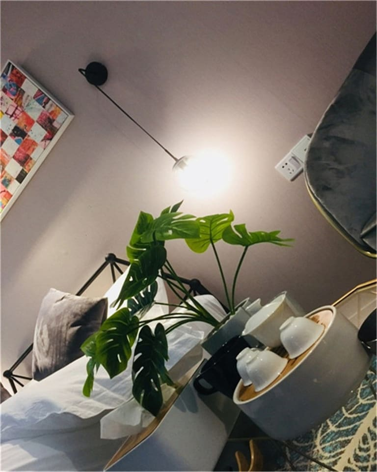 【简爱】——市中心,时尚商圈,工业风格的温馨浪漫大床房,高楼层街景,洗漱配套。
