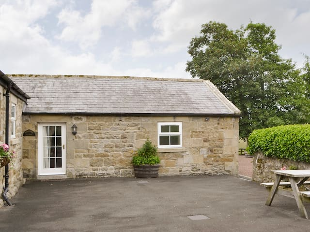 GROOMS COTTAGE (W43200)