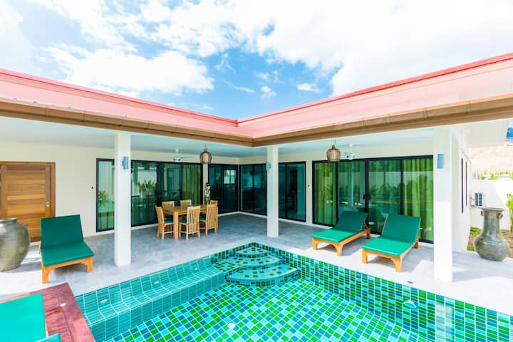 Attractive Family Villa with own Pool.