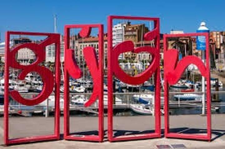 Lugares & Actividades destacadas en Gijón