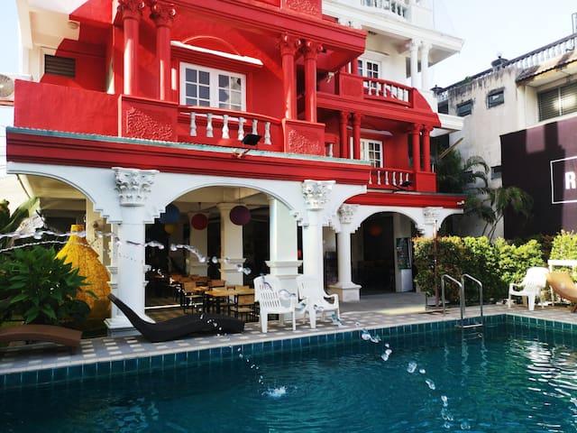 Old City Pool House @ Walking Street