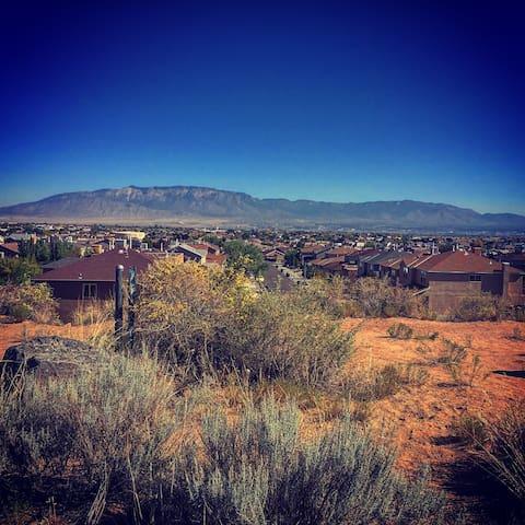 Breathtaking Views & Relaxing Comforts of Home - Albuquerque - Casa
