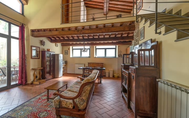 Nice loft near the city center.