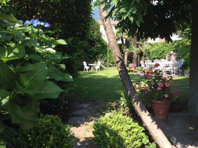 Casa Viola Ascona-Losone mit Garten - Losone - Apartament