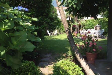 Casa Viola Ascona-Losone mit Garten - Losone