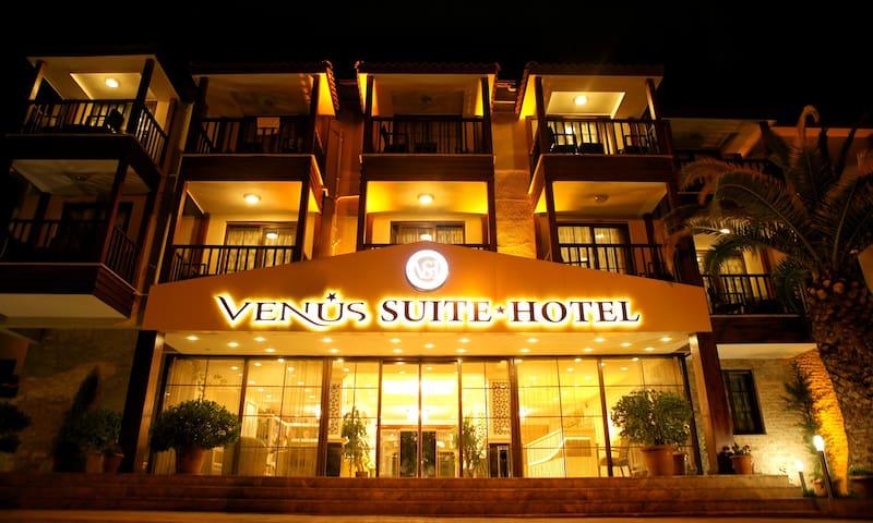 Venus Suite Hotel Quad