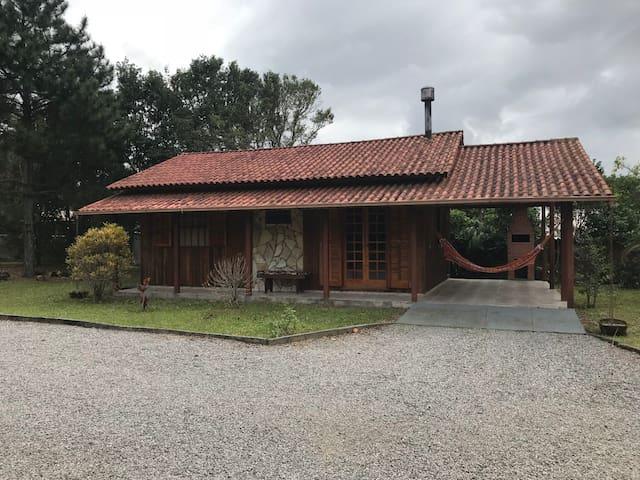 Casa p/ 4 pessoas próx. da Praia do Rosa e Ouvidor