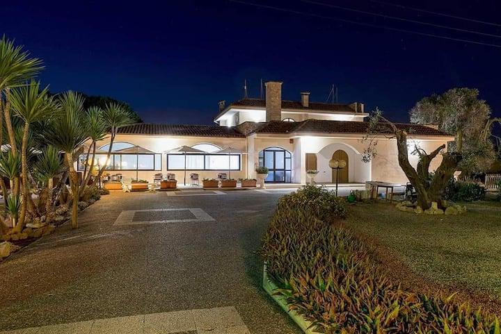 Hotel Villa Costes a 2 km da Gallipoli