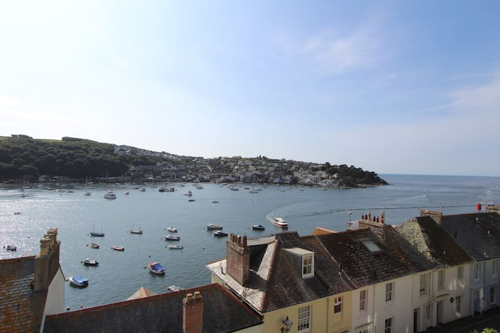 Beautiful Victorian Villa On Esplanade With Views - Fowey - Casa