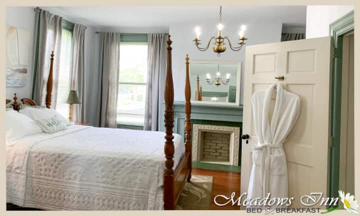 Meadows Inn - Croatan Suite