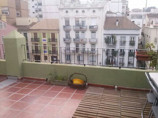Large 2 bed loft,center of Valencia - Valência - Apartamento