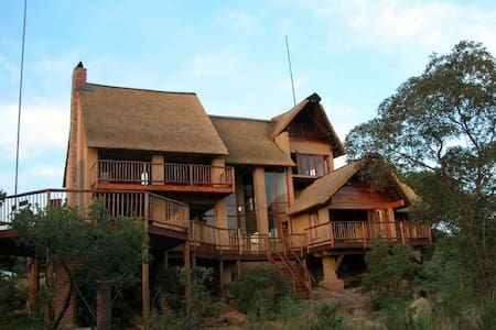Ngong Hill Lodge Mabalingwe