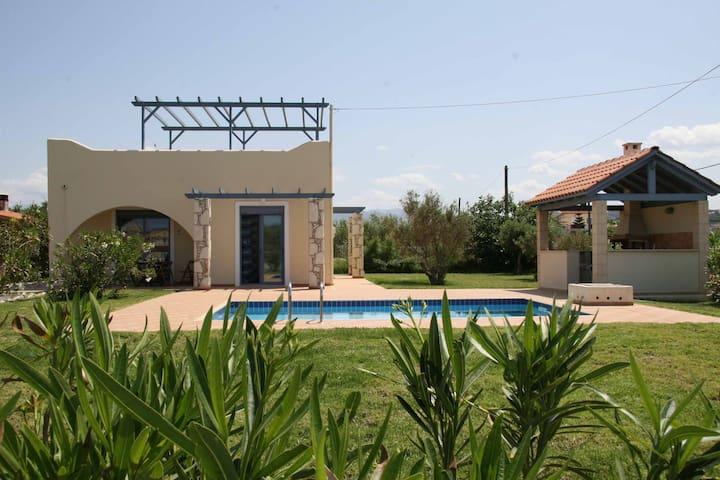 Villa Diana- Pool -100 meter walk to the beach - Tavronitis - Villa