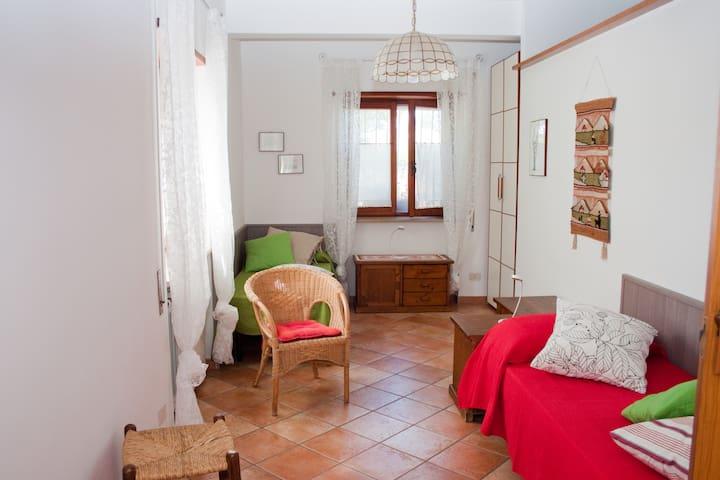 Apt. in villa with garden ( Wi-Fi ) - Albano Laziale - Daire