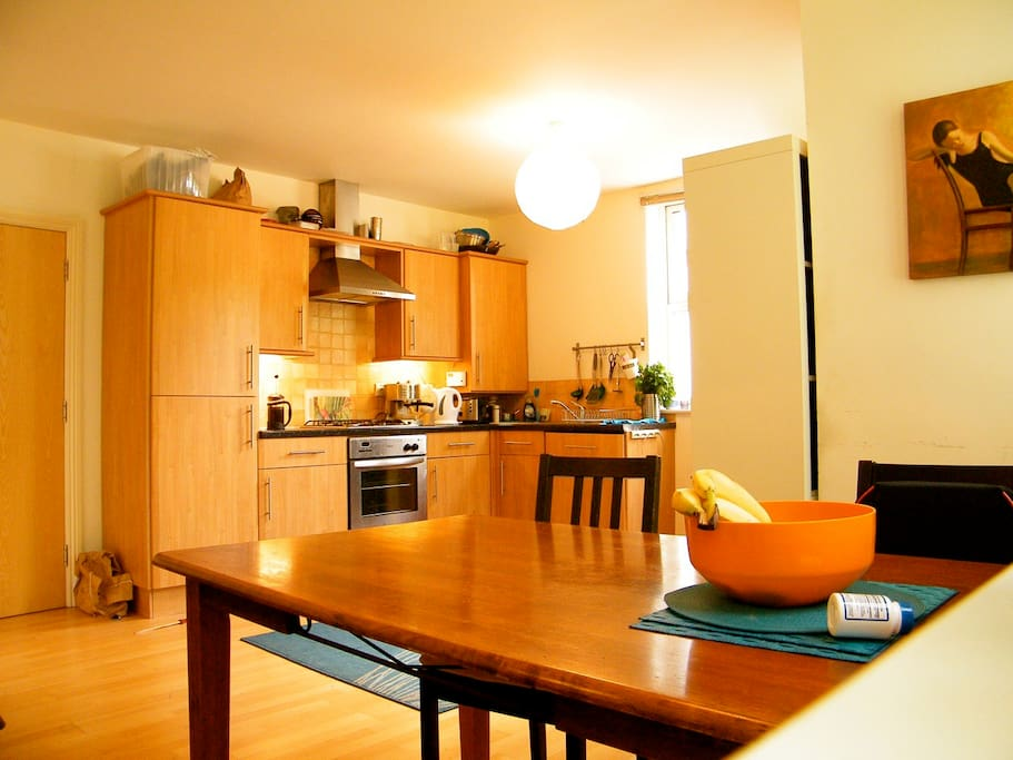 Kitchen space, tea a coffee machine to cook and eat comfortably