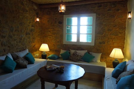 Rural Cottage with Ocean Views - Asilah