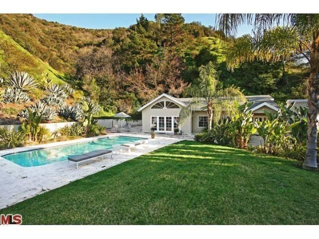 Entire home in Beverly Hills with pool