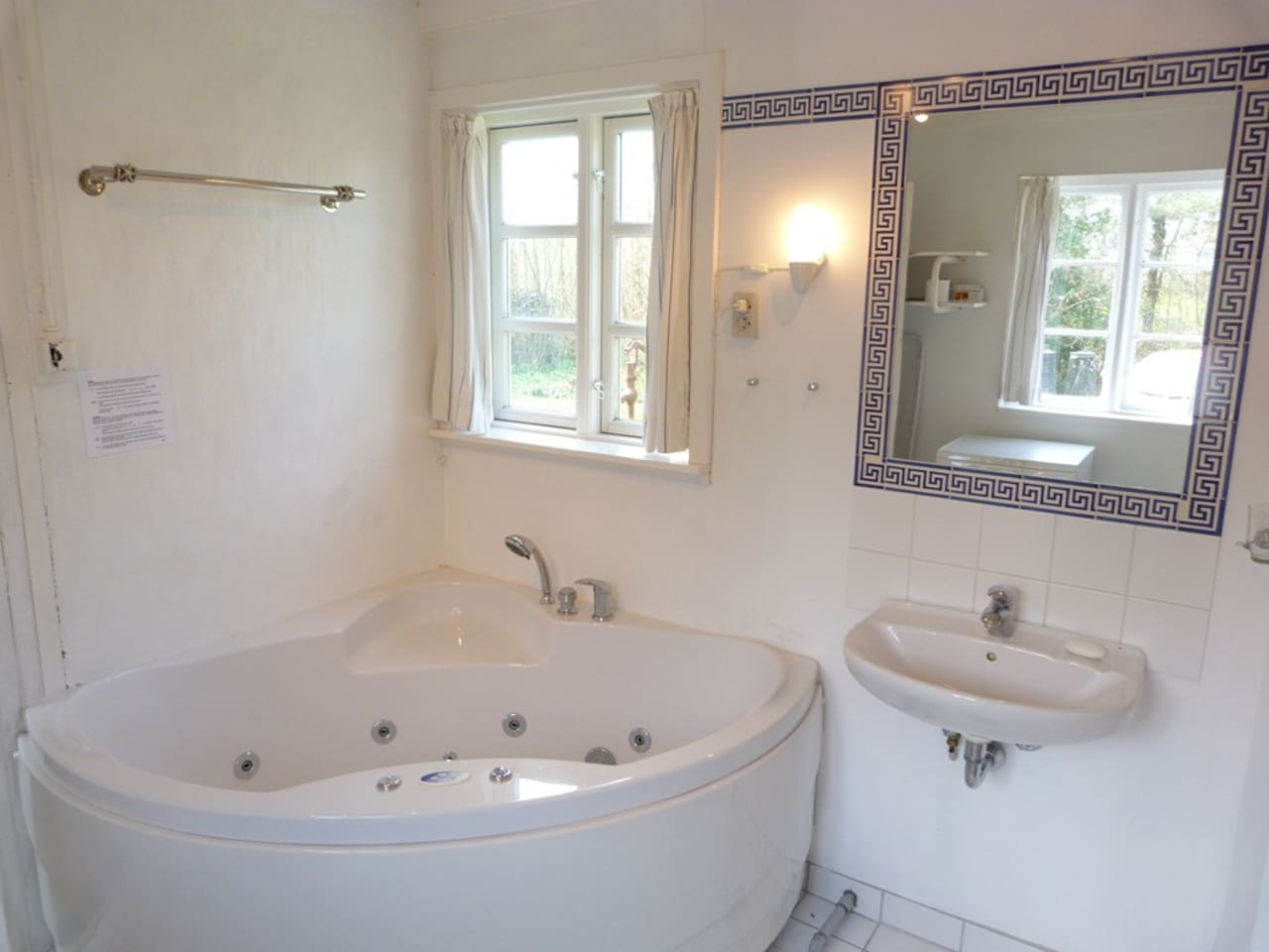 Bathroom with Jacuzzi (for two)