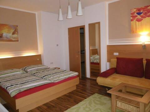 Haus ÖtscherTeufel (Lackenhof), Moderne Ferienwohnung mit Kinderzimmer