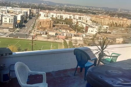Bed and breakfast with a view - Los Angeles