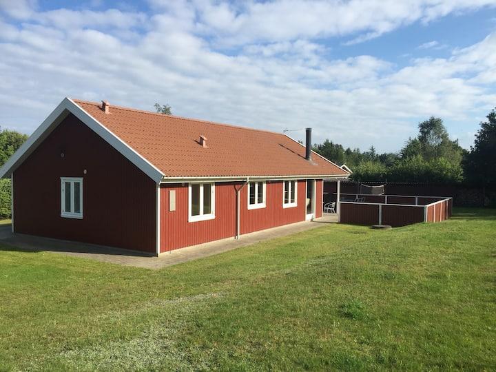 Sommerhus på lukket vej Perfect place for families