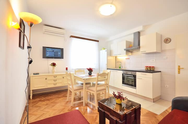 Great location - apartment Ivana2