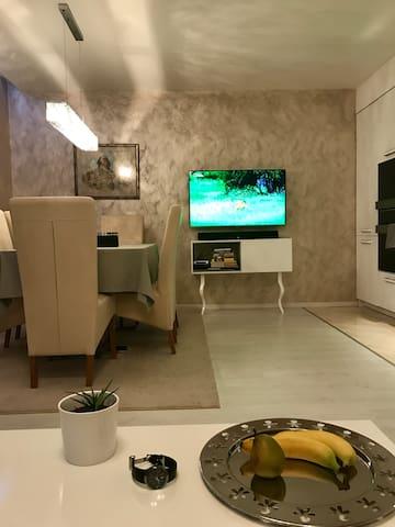 Deluxe Apartment Velingrad - Velingrad - Apartemen