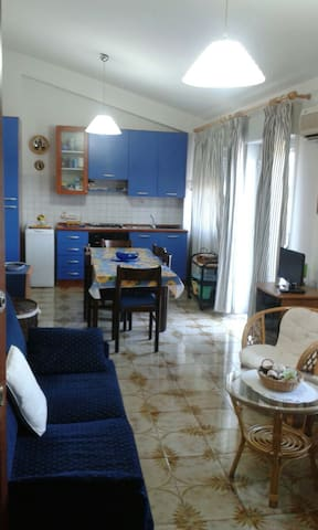APPARTAMENTO VICINO AL MARE MAX 10 POSTI LETTO - Santa Teresa di Riva - Wohnung