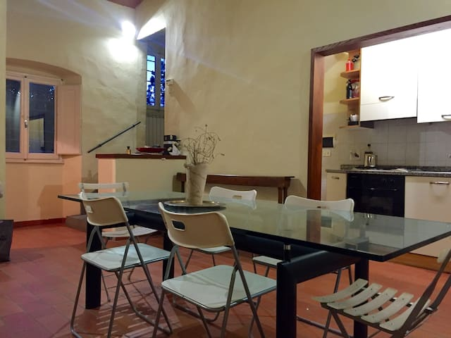 LOVELY DOUBLE ROOM IN SHARED APT COUNTRY FLORENCE