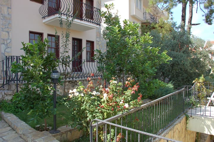 Lovely Holiday Apartment Fethiye A5 - Ölüdeniz - Flat