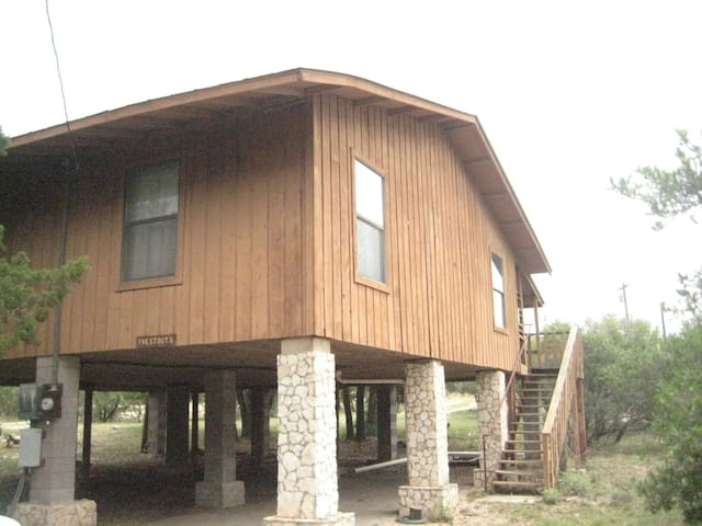 Comfy River Retreat Cabin near Frio - Concan