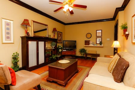 beautifully furnished 3 bed/1bath 1 - Chicago