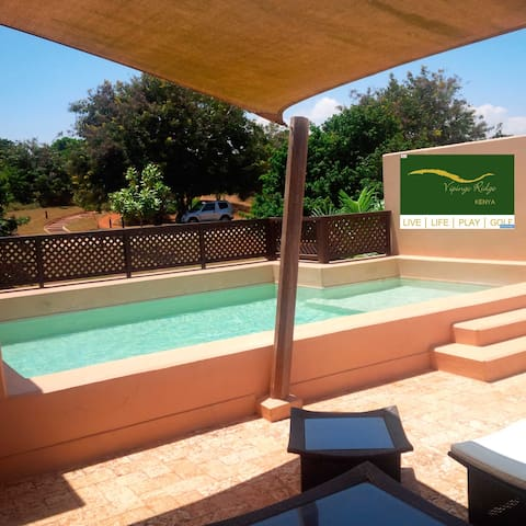 Golf Villa - 3 bed - 2 minutes walk to club - Mombasa - Huis